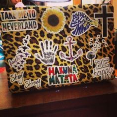 #Accessories #trends #trendy The new fab is decorating your laptop case with these fun stickers! Laptop Decal Stickers, Decals, Laptop Case, Laptop Skin, Preppy College, Mac Book, Laptops, Random Stuff, Iphone Cases