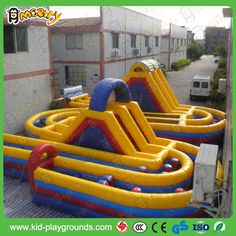 Inflatables obstacles maze