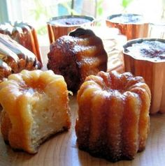 Canelés De Bordeaux - French Rum and Vanilla Cakes (also know as cannelé Bordelais): Magical French bakery confections. little fluted cakes with a rich rum and vanilla interior enclosed by a thin caramelised shell. French Desserts, Just Desserts, Delicious Desserts, Yummy Food, French Recipes, Gourmet Desserts, Healthy Food, French Bakery, French Pastries