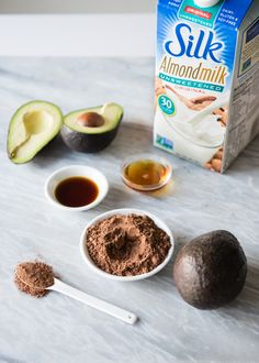 Healthy Vegan Avocado Chocolate Mousse Recipe | HelloNatural.co | @LoveMySilk #Silkbloom