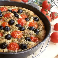 Hard to choose, but we love the simple kind from Puglia Focaccia Pizza, Focaccia Bread Recipe, Bread Recipes, Vegetable Side Dishes, I Love Food, My Favorite Food, Finger Foods, Italian Recipes, Kids Meals