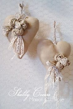 Romantic Shabby Chic Hearts From: La Maison de Chic Rose Valentine Decorations, Valentine Crafts, Valentines, Manualidades Shabby Chic, Shabby Chic Hearts, Patchwork Heart, Fabric Hearts, Lavender Bags, Heart Crafts