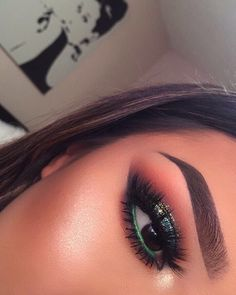 """9,791 Likes, 66 Comments - L U P E _ M U A  (@lupe_mua) on Instagram: """"#eotd ✨ Brows @benefitcosmetics Kabrow #5 & ready,set brow gel Lashes @simplyglam_makeupstudio…"""""""