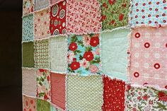 Bloom: Raw-edge layer cake quilt tutorial ... not a difficult quilt but the colours are happy and textures are fantastic!