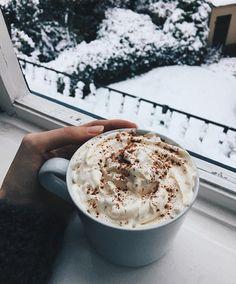Ich freue mich immer noch wie ein kleines Kind über den ersten Schnee ❄️☃️. Ganz viel ❤️ für dieses schöne Winterwetter.