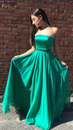 Prom+Dresses,+Green+Long+Prom+Dresses,+2018+Prom+Dresses,+Formal+Evening+Dresses My+email:+<b>modsele.com@hotmail.com</b> 1.+Besides+the+picture+color,+you+can+refer+to+our+color+swatch+to+choose+any+color+you+want. 2.+Besides+stand+size+2-16,+we+still+offer+free+custom+size,+which+require...