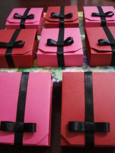Box in a Box - tutorial da variação feita com papel A4 por Carla Onishi. caixa original de Akiko Yamanashi