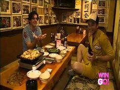 Monkey Waiter! super cute!!! (Hamish & Andy's Asia Gap Year) - YouTube