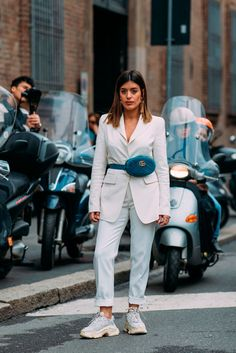 """Style closet Day 4 These Milan Fashion Week Street Style Moments Will Have You Saying, """"What Runway? Street Style Outfits, Milan Fashion Week Street Style, Look Street Style, Sneakers Street Style, Milan Fashion Weeks, Autumn Street Style, Street Style Women, Sport Street Style, Fashion Mode"""