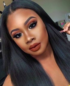 glam makeup – Hair and beauty tips, tricks and tutorials Maquillage Black, Maquillage Yeux Cut Crease, Dark Skin Makeup, Natural Makeup, Eye Makeup, Makeup Kit, Makeup Brushes, Dark Lipstick Makeup, Witch Makeup