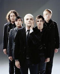 my chemical romance Gerard Way, My Chemical Romance, I Love Mcr, My Love, Bob Bryar, Black Parade, Mikey Way, Frank Iero, Evanescence