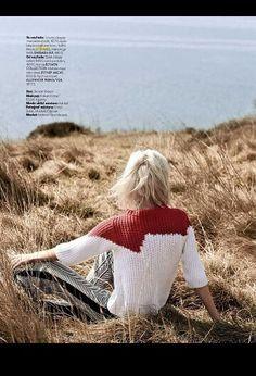 Spensieratezza e liberta:  Elle turchia  Maglia bicolore e pantalone di seta stampato impreziosiscono il redazionale @elleturkiye