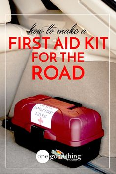 Your Own DIY First Aid Kit For The Road! Always be prepared on-the-go with this handy first aid kit!Always be prepared on-the-go with this handy first aid kit! Basic First Aid Kit, Diy First Aid Kit, First Aid Tips, Camping First Aid Kit, Make Your Own First Aid Kit, Emergency Preparedness Kit, Emergency Preparation, Survival Prepping, Survival Skills