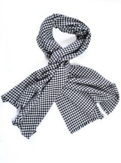 73df236e88667b Mercy Delta Aphrodite Oversized Cashmere Wrap in Houndstooth