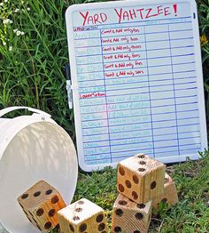 These DIY yard games are cheap and easy entertainment for all your kids! Make yard yahtzee, a diy twister mat or DIY giant yard dominoes. Giant Yard Games, Backyard Games, Outdoor Games, Outdoor Fun, Backyard Play, Backyard Ideas, Yard Yahtzee, Yahtzee Game, Freundlich