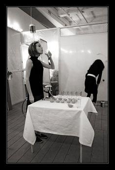 1959, Allan Kaprow - Performance dans une galerie : 18 happenings in 6 parts.