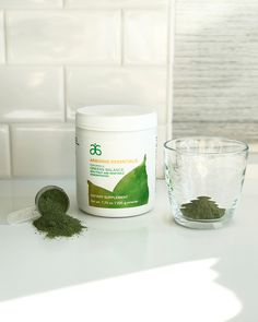 Mom always said to eat your veggies. Arbonne Essentials makes this easy, featuring a Greens Balance with its spectrum of proprietary color blends of whole fruit and vegetable powders — delivering antioxidants, phytonutrients and fiber you need to have a more balanced, healthier diet every day. Arbonne 30 Day Cleanse, Arbonne Detox, Arbonne Nutrition, Vegan Nutrition, Elderberry Fruit, Healthy Life, Healthy Living, Arbonne Consultant, Arbonne Essentials