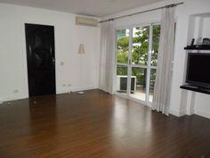 Apartamento vende ou aluga, com 2 suítes mais 1 quarto, piso madeira e varanda em todos os cômodos. Real Parque. R$800.000,00/R$4000,00 Clique na imagem! .
