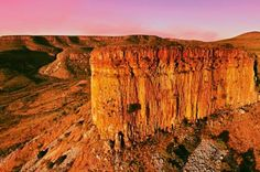 Discover the latest news and information regarding sustainable tourism in Australia #UofUprt #UtahParksRecTourism Australia Tours, Australia Travel, Western Australia, Australia Photos, Crocodile Dundee, Park Resorts, Great Barrier Reef, South Pacific, Travel Around The World