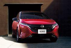 В Японии Nissan представил новую версию: Nissan Note Aura. На первый взгляд может показаться, что это более роскошная версия Note, но на самом деле все гораздо интереснее. Совершенно новый Nissan Note был представлен в Японии в ноябре. Note Aura, представленный сейчас, по мнению Nissan, следует расс�