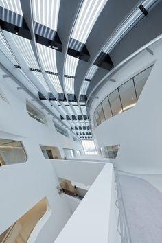 Biblioteca y centro de aprendizaje de la Universidad de Economía, Viena / Zaha Hadid Architects