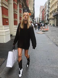 Maya Stepper, Diy Fashion, Winter Fashion, Fashion Trends, Fashion Outfits, Tall Boots, Ankle Boots, Cowboy Boots, Cowboy Boot Outfits