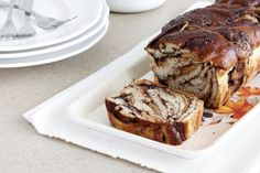 Chocolate and Peanut Butter Babka (lil-cookie) Best Dessert Recipes, Fun Desserts, Sweet Recipes, Chocolate Babka, Chocolate Peanut Butter, Best Bread Recipe, Bread And Pastries, Skinny Recipes, Winter Food