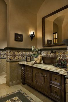 Tuscan Bathroom Decor Design, Pictures, Remodel, Decor and Ideas Dream Bathrooms, Beautiful Bathrooms, Luxurious Bathrooms, Tuscan Bathroom Decor, Tuscan Bedroom, Style Toscan, Spanish Bathroom, Spanish Style Bathrooms, Spanish Tile