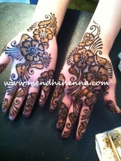 Now taking henna Bookings for 2013/14 www.MendhiHenna.com  www.facebook.com/MendhiHennabridalparties #Henna #mendhi #mehndi #mendhihenna #bridalhenna #bridalmehndi #hennaparty #mehndiparty #hennatattoo #indianwedding #hinduwedding #indianbride #bridesmaids #sangeet #sacramento #weddingphotography #wedding #nails #mua #makeup #indian #punjabi #paki #afghan #dhol #bhangra #sikh #gurdwara #temple #hindu #destinationweddings #bridesmaids #brides #shoes #canvas #painting #art  #festival #tattoo Bridal Mehndi, Henna Mehndi, Mehendi, Henna Designs Easy, Mehndi Designs, Henna Doodle, Hindu Tattoos, Mehndi Party, Simple Henna