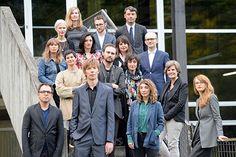 Zum ersten mal findet die Documenta 2017 gleichberechtigt in zwei Städten statt: in Kassel und Athen. Der künstlerische Leiter Adam Szymczyk begründete am Montag seine Entscheidung, die Ausstellung zu erweitern. Sie könnte für Kontroversen sorgen