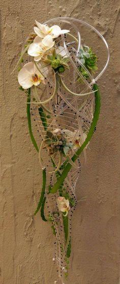 Planning A Fantastic Flower Wedding Bouquet – Bridezilla Flowers Ikebana, E Design, Floral Design, Cascade Bouquet, Japanese Flowers, Arte Floral, Bridal Flowers, Flower Boxes, Flower Decorations