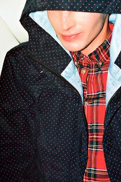 SENSE: Supreme 2012 Fall/Winter Collection Editorial: SENSE magazine once again harks back to its street fashion origins with the latest editorial World Of Fashion, Girl Fashion, Mens Fashion, Editorial, Modern Gentleman, Dapper Men, Winter Collection, Urban Fashion, Gq