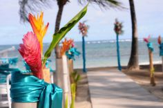 3 Destination Wedding Planning Tips - We love these exotic and tropical flowers!