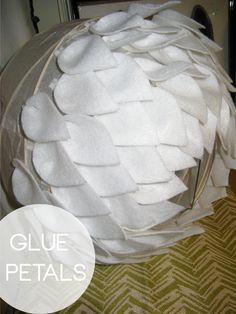 69 Best Ideas For Origami Lamp Shape Home Paper Lantern Chandelier, White Paper Lanterns, Origami Owl Easy, Origami Lamp, Flower Lamp, Flower Lights, Diy Abat Jour, Diys, Origami Templates