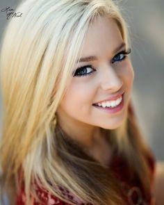10 ways to get your Senior pictures noticed on Pinterest, ideas for girls, tips, glam, makeup, hair, dance