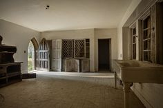 Photo of Ravenwood Castle by Tom Kirsch / opacity.us