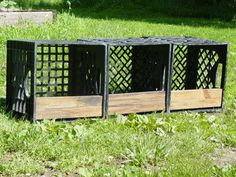 nest boxes from milk crates Chicken Garden, Backyard Chicken Coops, Chicken Coop Plans, Diy Chicken Coop, Backyard Farming, Chickens Backyard, Chicken Laying Boxes, Chicken Nesting Boxes, Nesting Boxes For Chickens