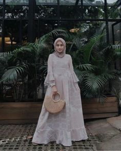 New fashion hijab style simple abayas ideas Kebaya Muslim, Kebaya Hijab, Kebaya Dress, Muslim Dress, Hijab Gown, Hijab Dress Party, Hijab Style Dress, Trendy Dresses, Modest Dresses