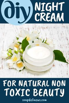 Night cream DIY for your natural skin care routine. Skip the chemicals and make this DIY night cream for natural non-toxic beauty as part of your self care beauty regimen for anti-aging skin care. A natural anti aging cream and natural skin care product for women over 30 that you can craft at home in your kitchen for natural beauty. The best natural beauty tips for your healthy lifestyle to naturally fight the visible signs of aging with rosehip seed oil & coconut water. #antiaging… Anti Aging Skin Care, Natural Skin Care, Natural Face, Natural Health, Anti Aging Night Cream, Aging Cream, Natural Beauty Recipes, Do It Yourself Home, Seed Oil