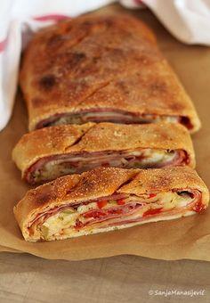 Knjiški Moljac u špajzu: Stromboli Stromboli, Croatian Recipes, Italian Recipes, Albanian Recipes, Bosnian Recipes, Fast Dinners, Easy Meals, Kitchen Recipes, Cooking Recipes