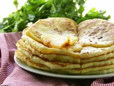 How about a hot, stuffed paratha for breakfast this morning? A hot, roasted paratha on a chilly winter morning seems like a great idea. So, why wait? Let's start with it.  Stuffed paratha always brings aloo paratha or gobi paratha into our mind. But today we have a different kind of paratha. It is gajar ka paratha or carrot paratha.