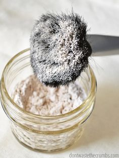 All-natural, easy homemade powdered foundation that is better than any store-bought makeup I've ever tried, plus you probably already have the ingredients! It's a simple skincare routine that doesn't cost a lot of money, and helps to clear up your skin too! :: DontWastetheCrumbs.com
