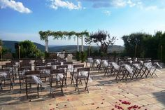 Imagina tu #boda al aire libre: http://www.ruralmeeting.com/es/sala/poble-rural-puigarnau-pubillo/