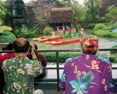 Martin Parr Hawaii Oahu. Polynesian Cultural Centre
