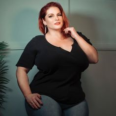 The wonderful was kind enough to take some pictures of me for my new website (which is under construction still) and I… Beautiful Redhead, Beautiful Women, Amanda Lee, Thick Girl Fashion, Some Pictures, Curvy, Plus Size, Lady, Beauty