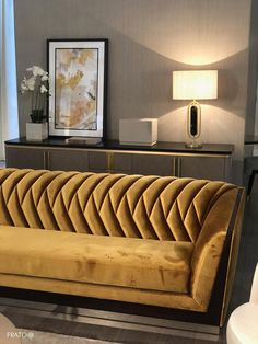 Luxury Sofa, Luxury Furniture, Home Furniture, Living Room Inspiration, Interior Design Inspiration, Modern Sofa Designs, Living Room Bench, Living Room Essentials, Chaise Sofa