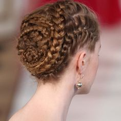 The winding, braided chignon at the Christophe Josse show has become one of this Fashion Week's most talked-about looks. Fancy Hairstyles, Girl Hairstyles, Braided Hairstyles, Wedding Hairstyles, Style Hairstyle, Updo Hairstyle, Protective Hairstyles, Curly Hair Styles, Natural Hair Styles