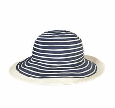 The Barbour Sealand Sun Hat is constructed in a stitched braid that's exceptionally resistant to creasing, making it an ideal choice for summer holidays. Styled with a wide brim for protection from the sun, it carries a nautical stripe accented by solid colour at the outer brim.