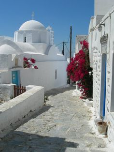 "Amorgos Island, Cyclades, Greece (photo by ""raakel_7""). I love Greece's architecture."