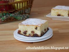 """In Romania we have a traditional cheesecake called """"pasca"""" made from a sweet bread crust and filled with sweet cheese and raisins. We have also a delicious sweet cheese and raisin pie w… Easy No Bake Desserts, Delicious Desserts, Yummy Food, Dessert Recipes, Have A Snickers, Yogurt Pie, How To Make Cheesecake, Shortcrust Pastry, Cake Ingredients"""